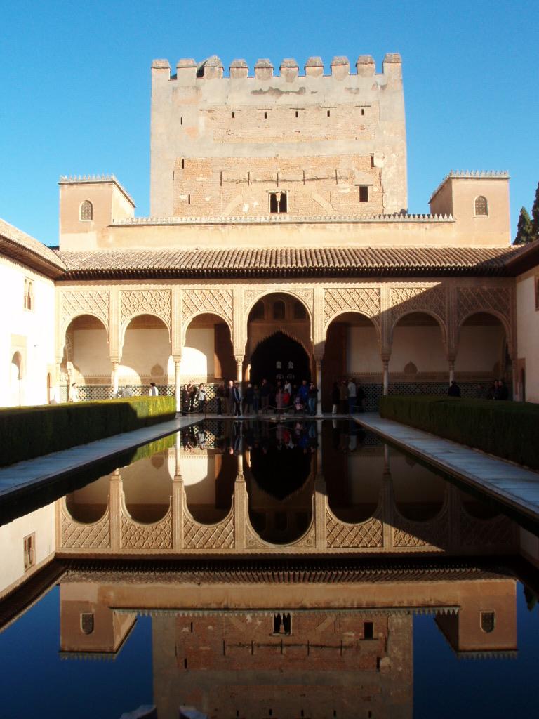P2231674 太陽と情熱の国スペイン <アルハンブラ宮殿> 世界遺産: おとめ座の1等星・ス